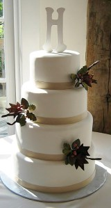 Cakes can be simple and elegant or complex - it doesn't matter, Bellas Desserts handles them both