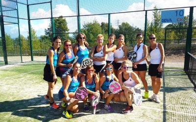 L'equip femení A de pàdel del Club, representant a Bellaterra