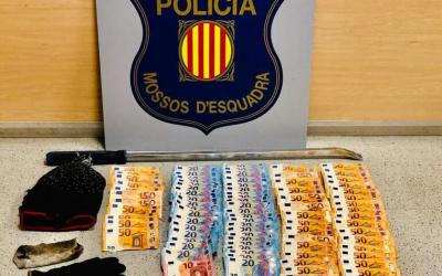 Enxampats dos homes mentre robaven en un supermercat de Sabadell
