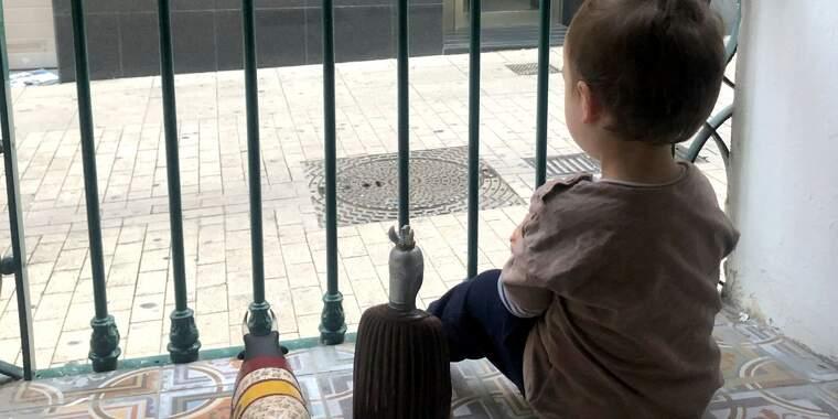 Els nens podran sortir al carrer acompanyats a partir de dilluns