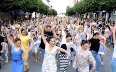 S'organitza el primer flashmob de sevillanes a Cerdanyola