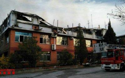 Carles Puigdemont se solidaritza amb l'incendi que ha afectat als Bombers de Bellaterra