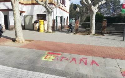 Segueixen les pintades contra la independència a Bellaterra