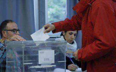 10-N: Baixa la participació a les 14 h de la jornada electoral