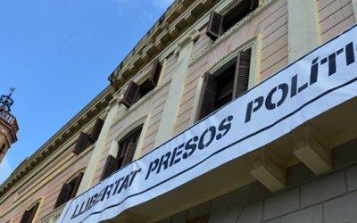 El ple proposarà penjar una pancarta de llibertat pels presos al balcó de l'ajuntament