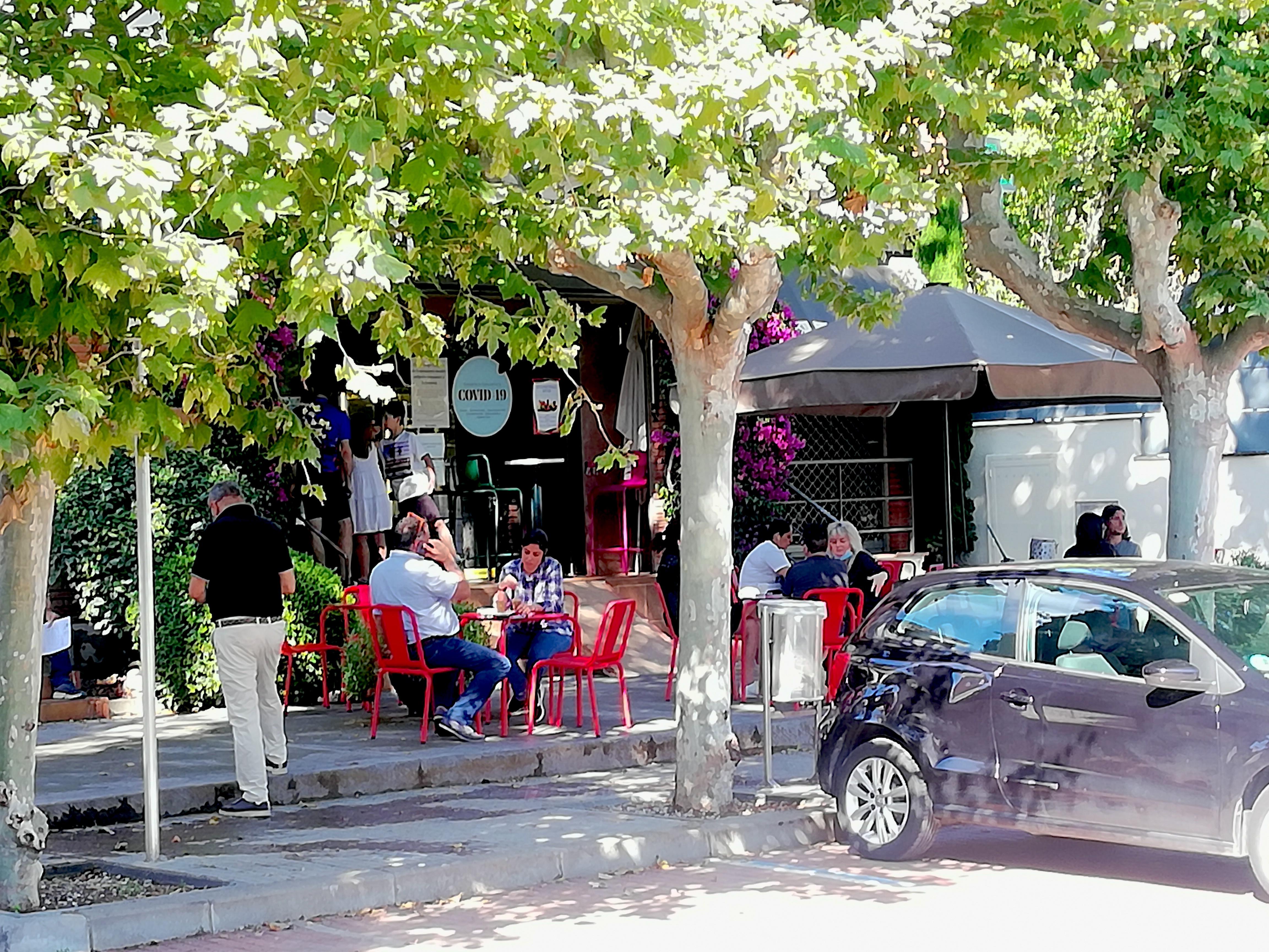 Terrassa del Cafè Bonaparte de Bellaterra | Toni Alfaro