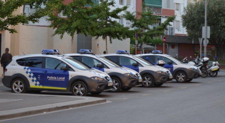 Cotxes de la Policia Local a Cerdanyola. FOTO: Arxiu | o.moreno
