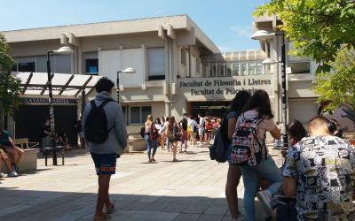 Un 1% dels alumnes de la UAB demanen fer la selectivitat en castellà