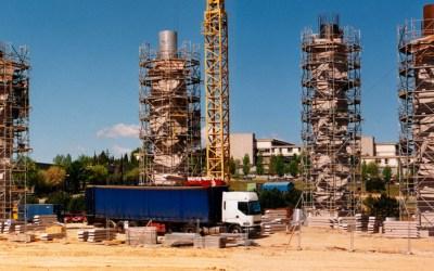 EFEMÈRIDE | Fa 22 anys es construïen les  famoses columnes de la UAB