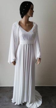 Robe et châle de mariée