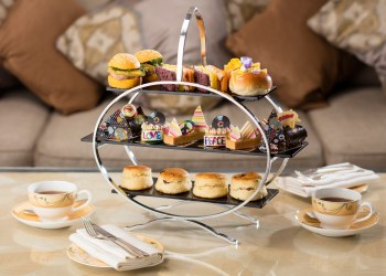 jumeirah-carlton-tower-swinging-sixties-afternoon-tea
