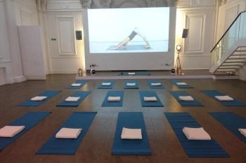 Jennifer Ellis yoga for commuters