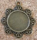 Médaillon fleur, bronze antique, diamètre de 35mm, excluant l'anneau