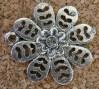 Fleur argentée avec pierre, diamètre de 22mm