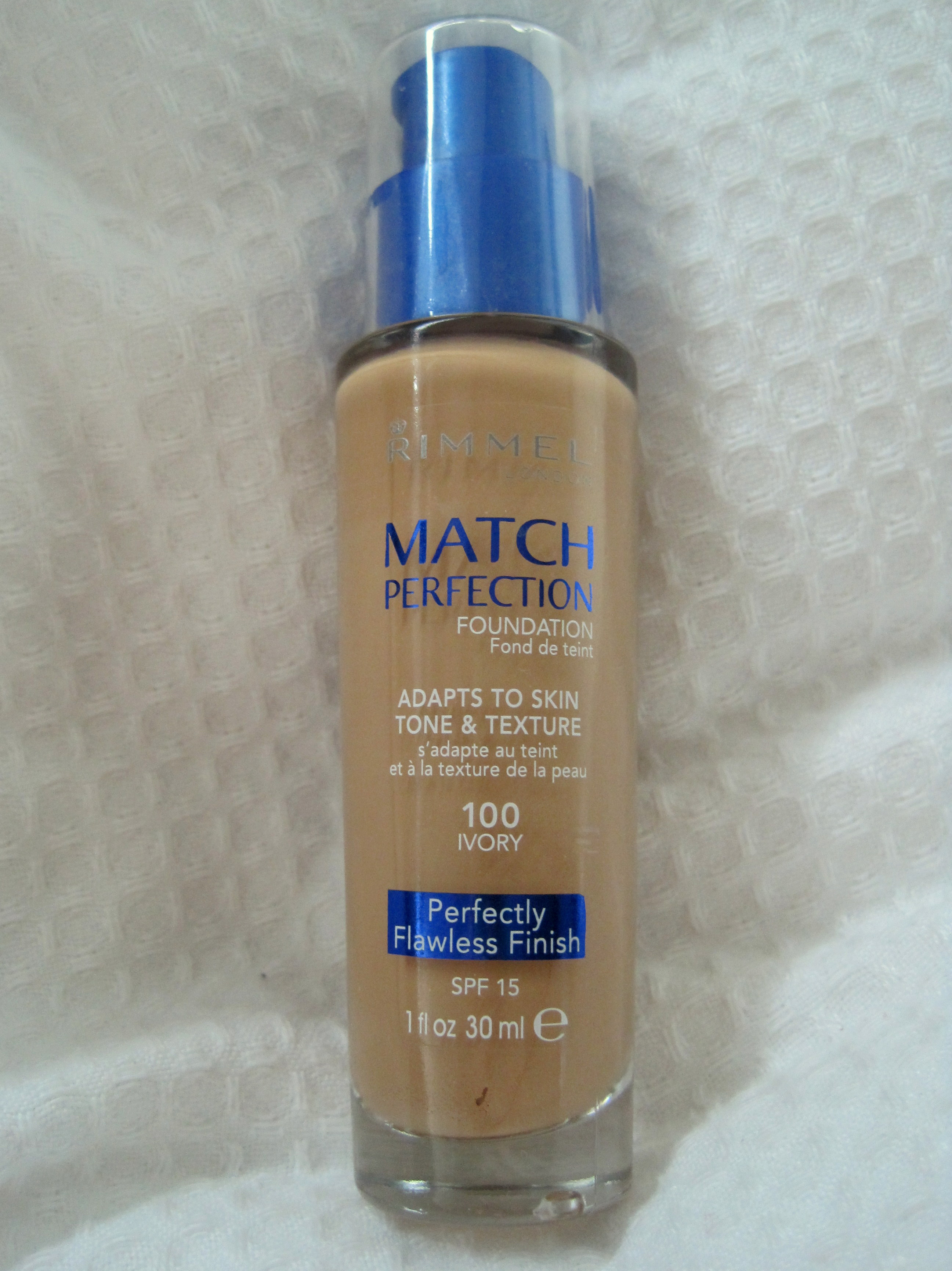 Review Rimmel Match Perfection Foundation in 100 Ivory