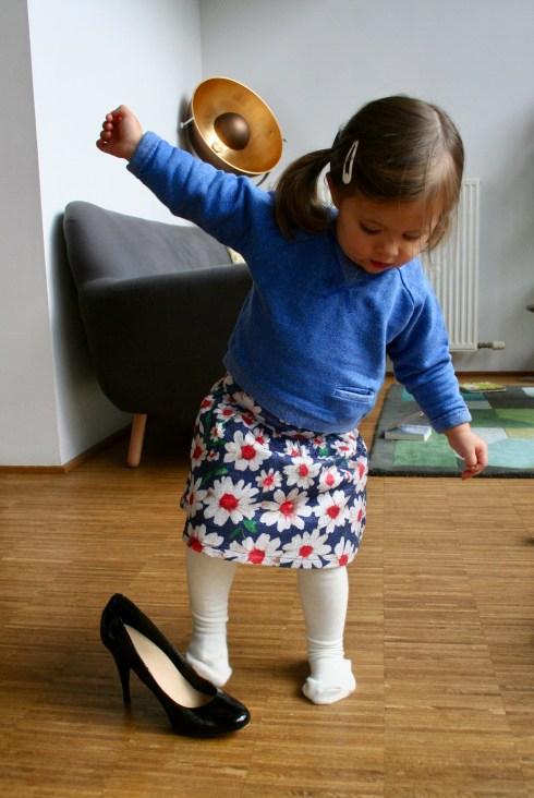 FASE 7. Haha, mama haar schoenen!