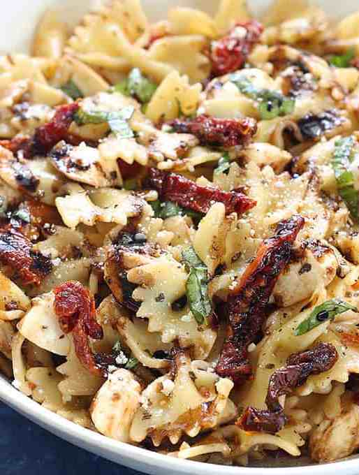 Caprese Pasta Salad with Sun-dried Tomatoes