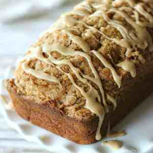 Must make! Sweet pumpkin bread with a crumbly streusel topping and drizzled with a rich maple glaze. Fall heaven!