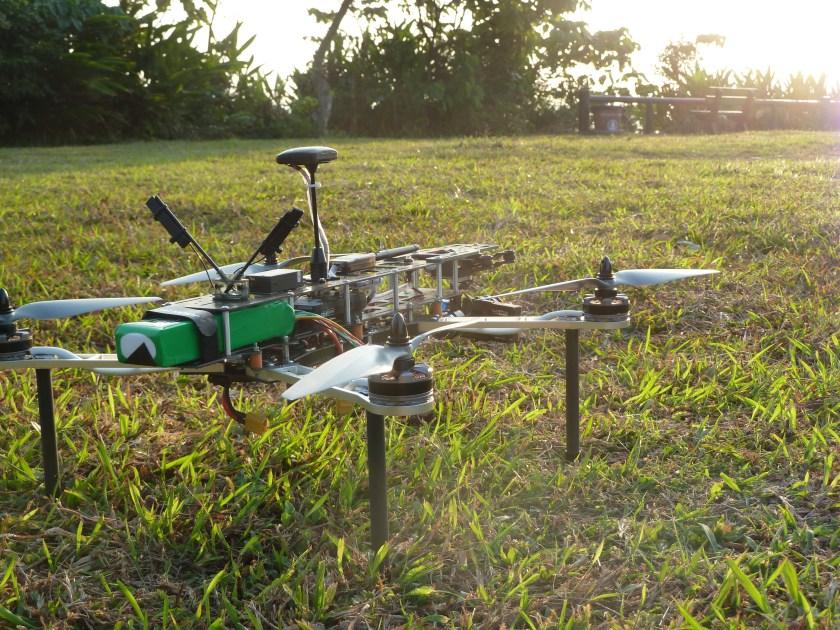 QAV500 v2 on ground