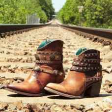 06 Best Vintage Boots For Women