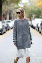 08 Amazing Outfit Ideas for Wearing Oversized Sweaters