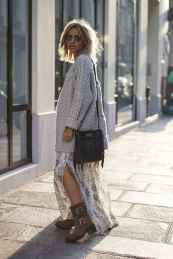 09 Amazing Outfit Ideas for Wearing Oversized Sweaters