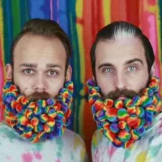 29 Most Elaborate Flower Beard Ideas