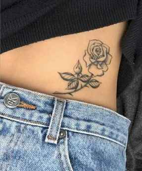 44 Minimalist Tattoos For Every Gir