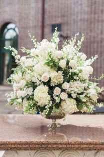 05 Romantic White Flower Centerpiece Decor Ideas