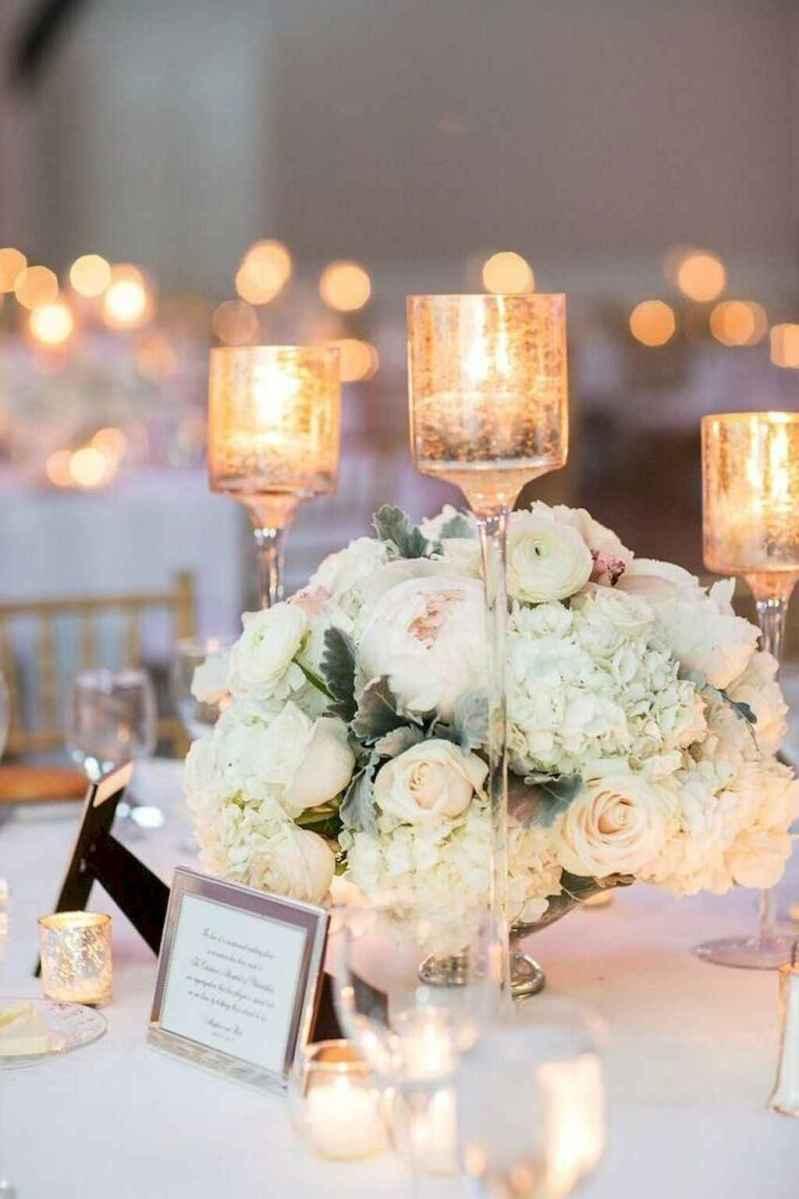 07 Romantic White Flower Centerpiece Decor Ideas