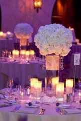 11 Romantic White Flower Centerpiece Decor Ideas