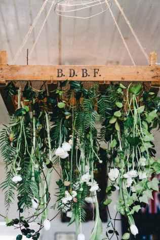12 Rustic Wedding Suspended Flowers Decor Ideas
