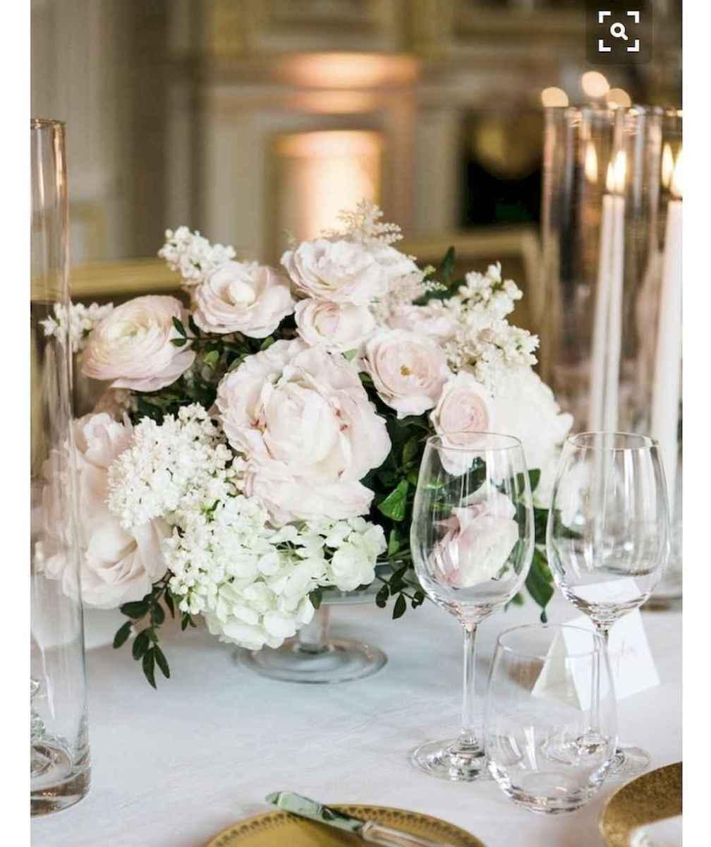 15 Romantic White Flower Centerpiece Decor Ideas