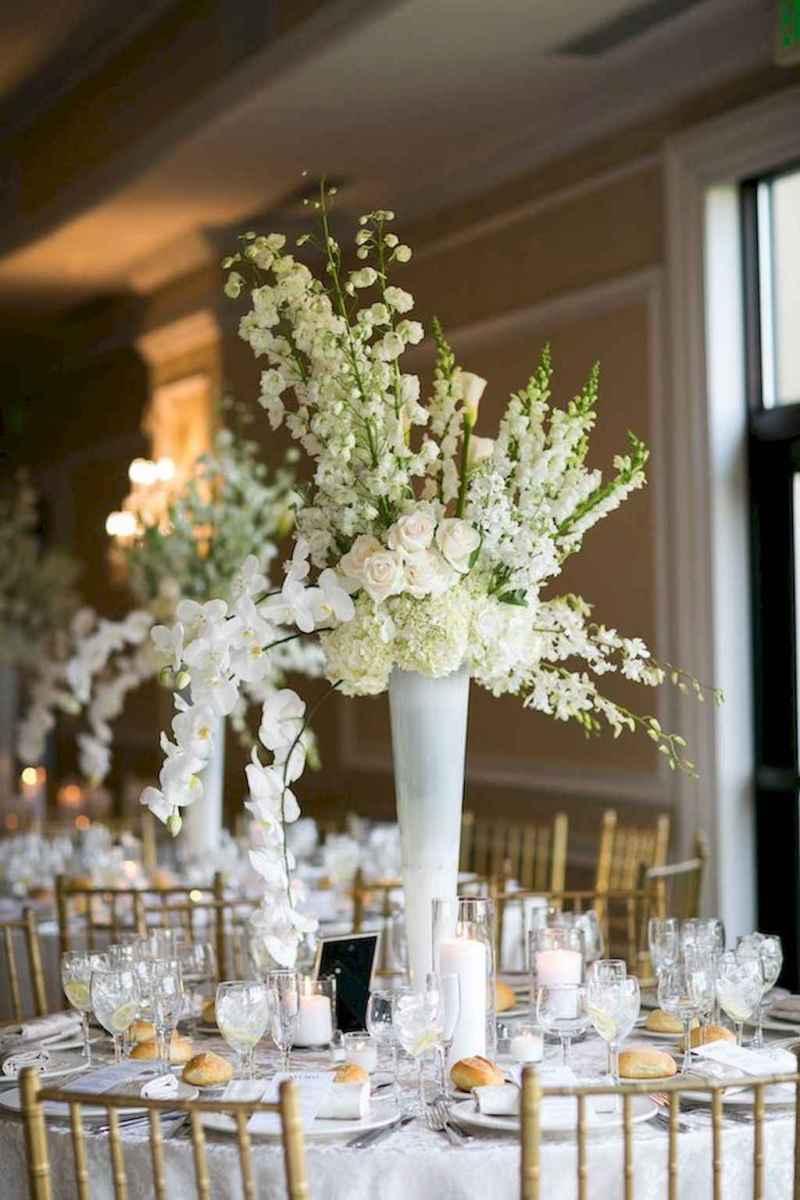 31 Romantic White Flower Centerpiece Decor Ideas