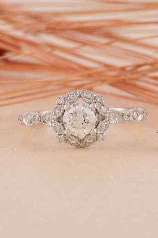 31 Simple Engangement Ring for Every Kind Women