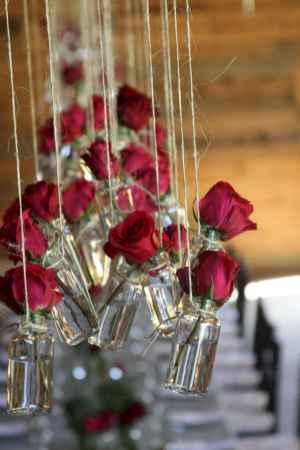 32 Rustic Wedding Suspended Flowers Decor Ideas