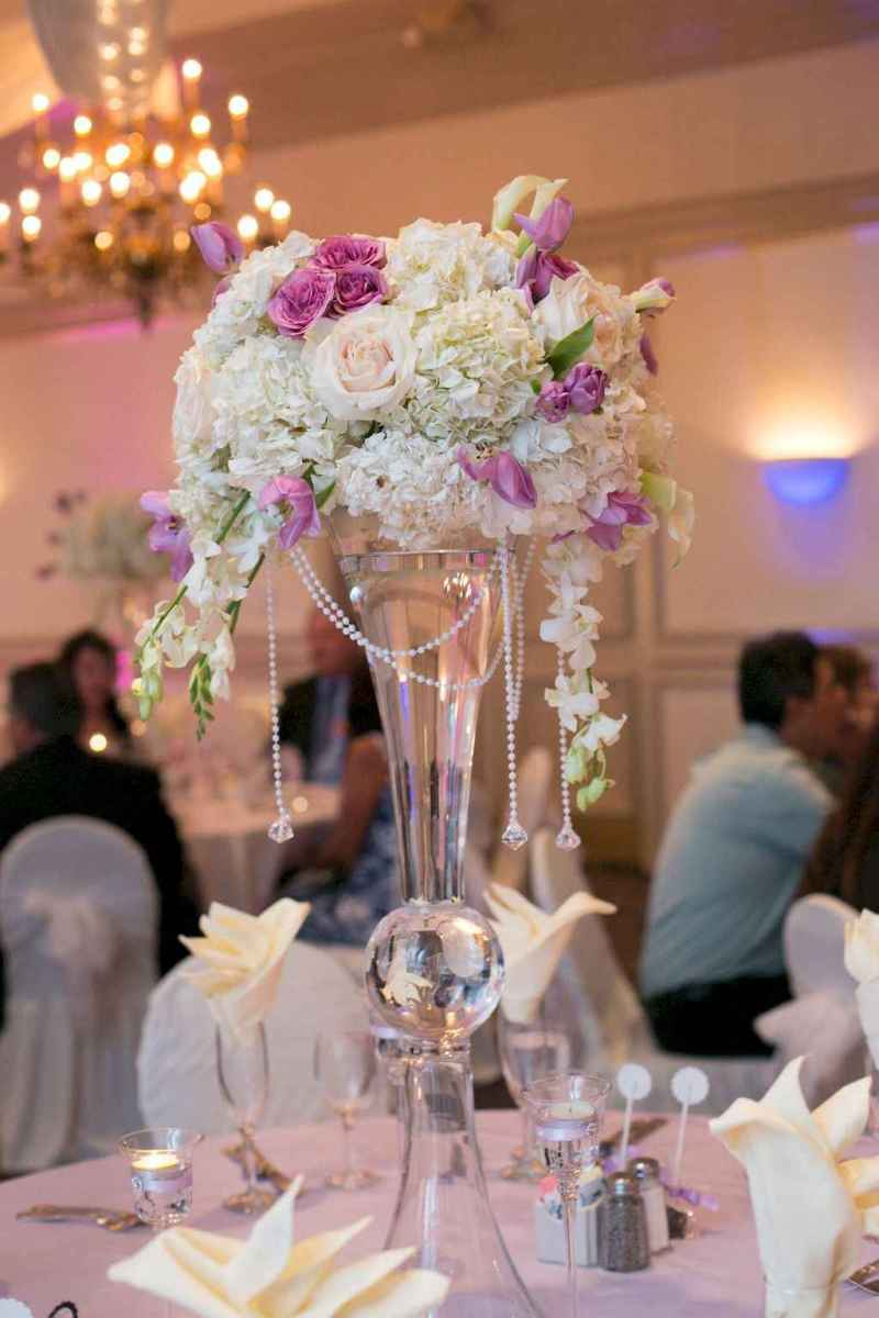 36 Romantic White Flower Centerpiece Decor Ideas