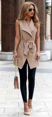 05 Elegant Work Outfits with Flats Every Woman Should Own