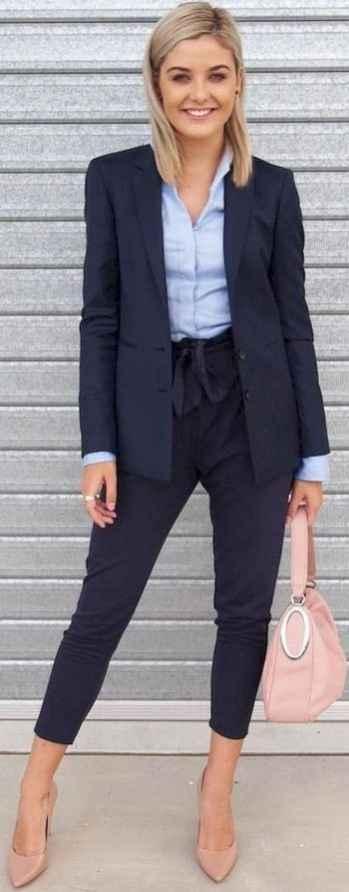 342d8841adc8d3 35 Elegant Work Outfits Every Woman Should Own - Bellestilo.com