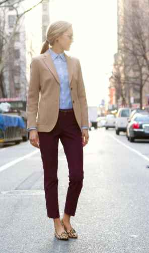 26 Elegant Work Outfits with Flats Every Woman Should Own
