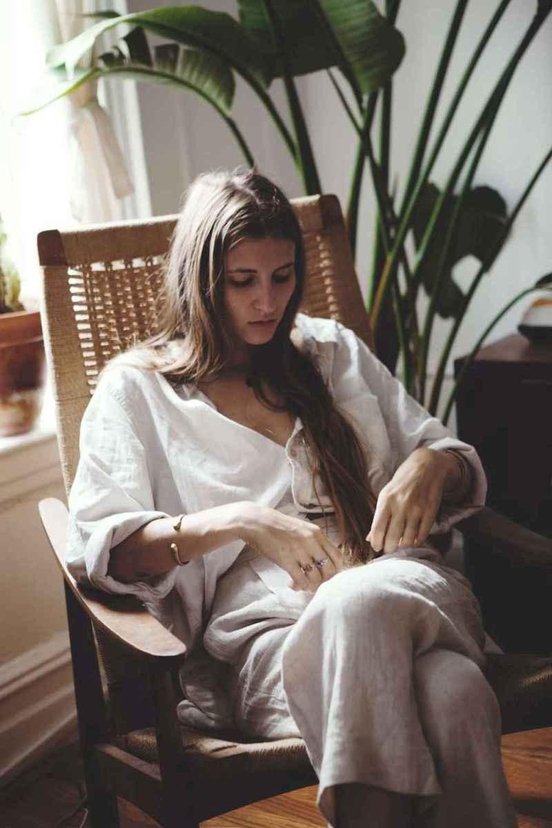 31 Elegant Beige Linen Pants Outfit Ideas