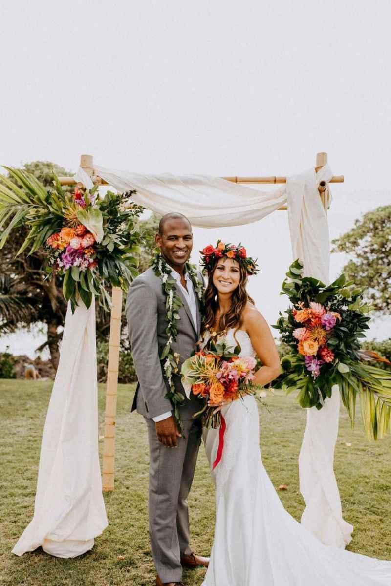 38 Romantic Tropical Wedding Ideas Reception Centerpiece