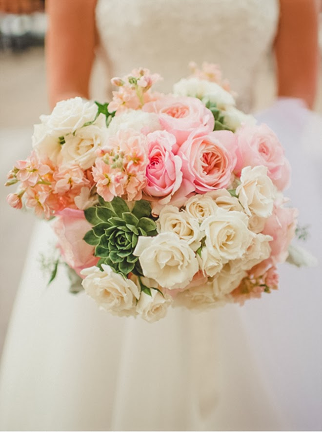 12 Stunning Wedding Bouquets  25th Edition  Belle The