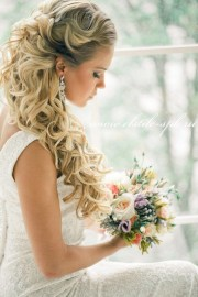 loose curls wedding hair - belle