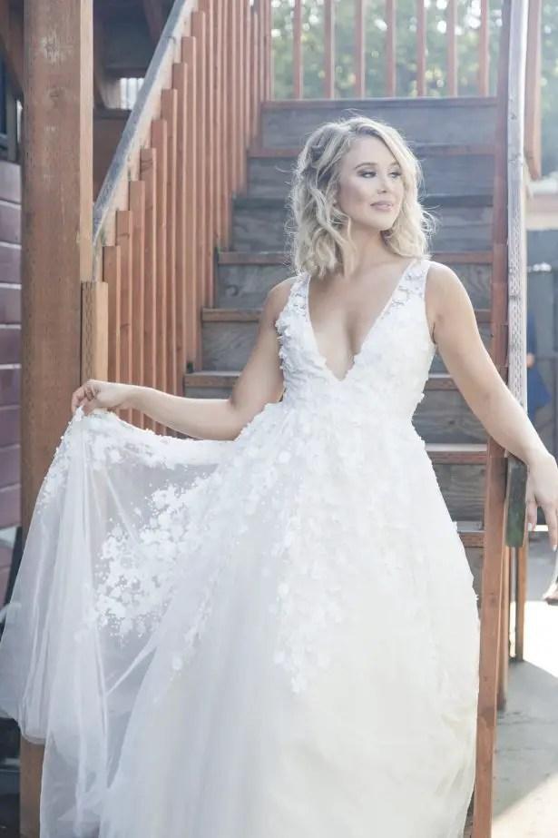 Ball gown sleeveless wedding dress - Photography: Szu Designs, Inc