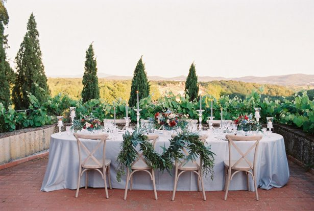 Long wedding table - Photography: The cablookfotolab
