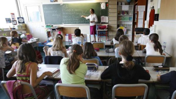 institutrice-ecole-professeur_4085076