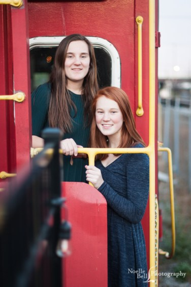 Senior Pictures, Sisters, Knoxville TN, Noelle Bell Photography, Trains, Knoxville Photographer, Siblings