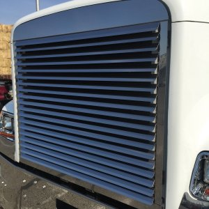 Trux Accessories Freightliner Classic Louvered Grill - 14 Bars