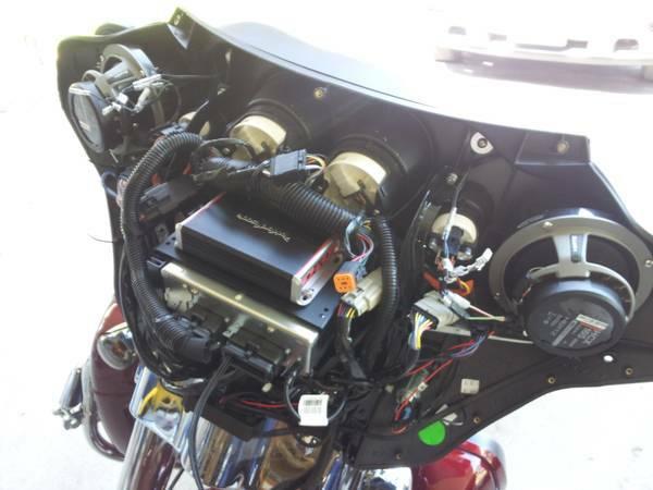2110 FLHX Fosgate Hertz install